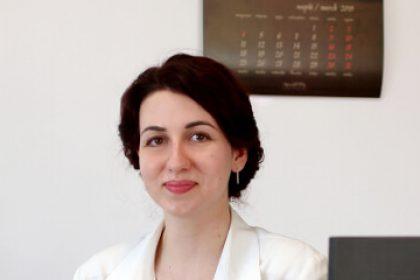 Виктория Петкова - редактор и коректор с английски език